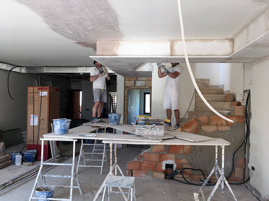 Building the galleried ceiling