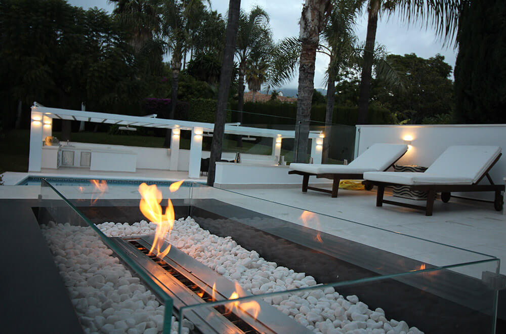fire pit palm trees