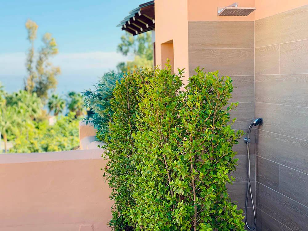 Shower greenery 1000