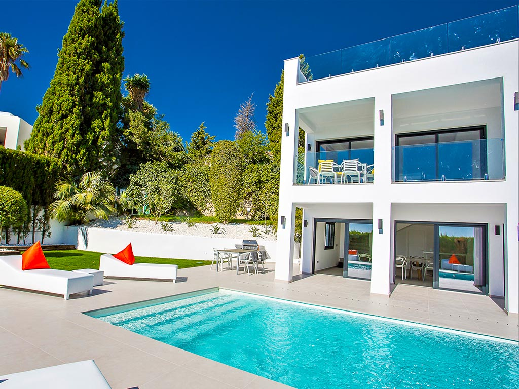 Spanish luxury villa with long pool stairs in Marbella