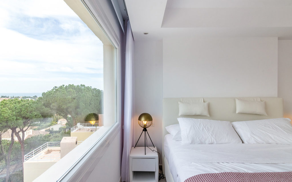 Bed with views in Marbella