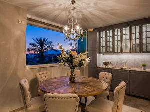 Integrated kitchen and dinning space contemporary glamours style in Marbella