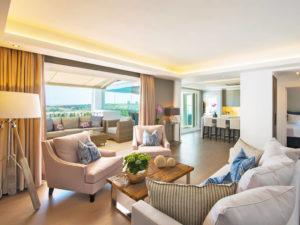 Contemporary indoor outdoor open plan living space in Marbella