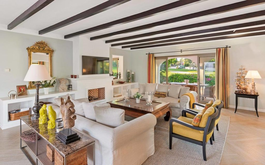 Traditional living space and contemporary country furnishings in Marbella