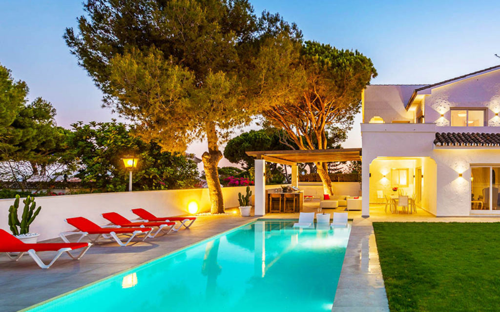 Classy pool and outdoor living space in Mijas