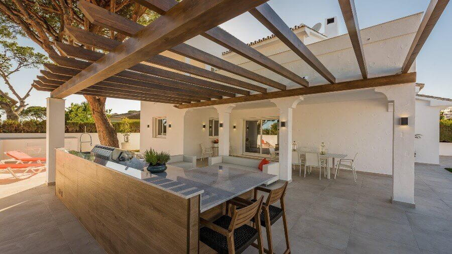 Stylish outdoor kitchen and living area in Mijas