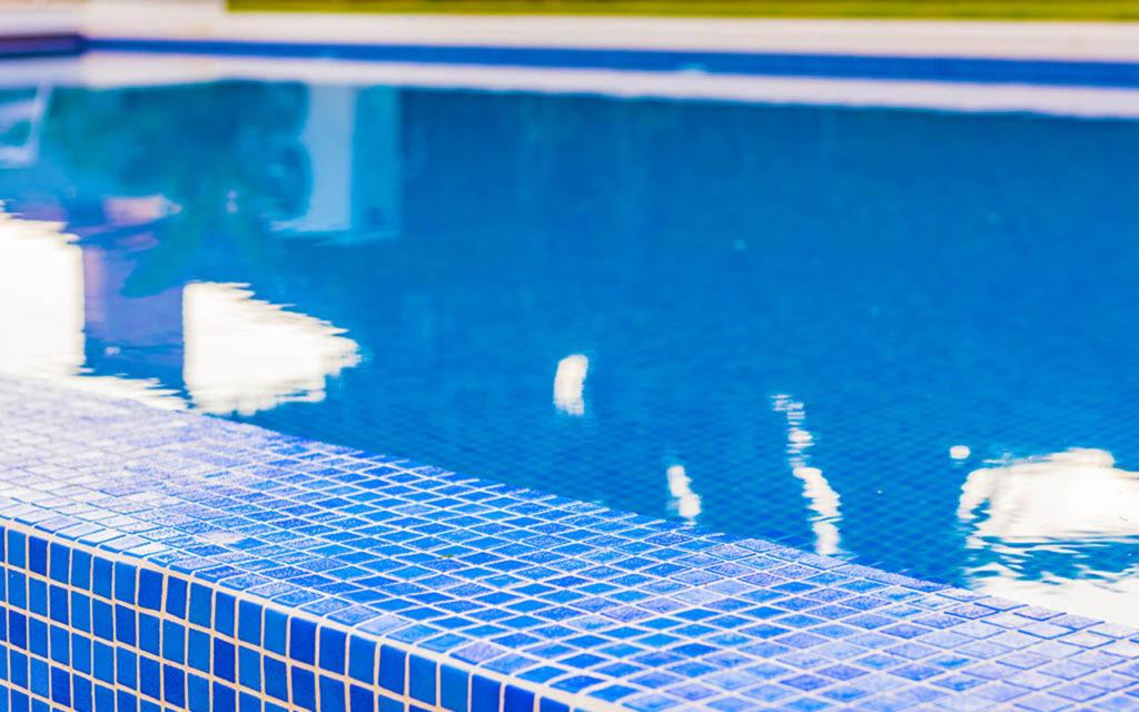 Stylish tiled infinity pool in Marbella, Costa del Sol