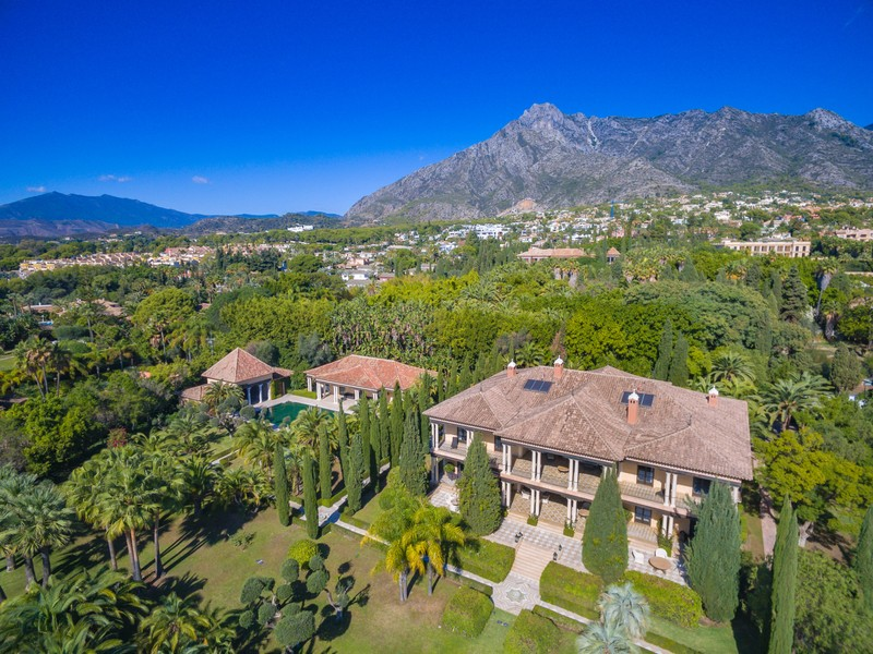Villa currently for sale in the mountains