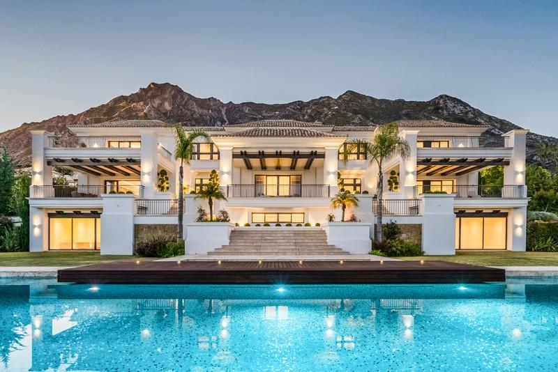 Villa currently for sale in Sierra Blanca