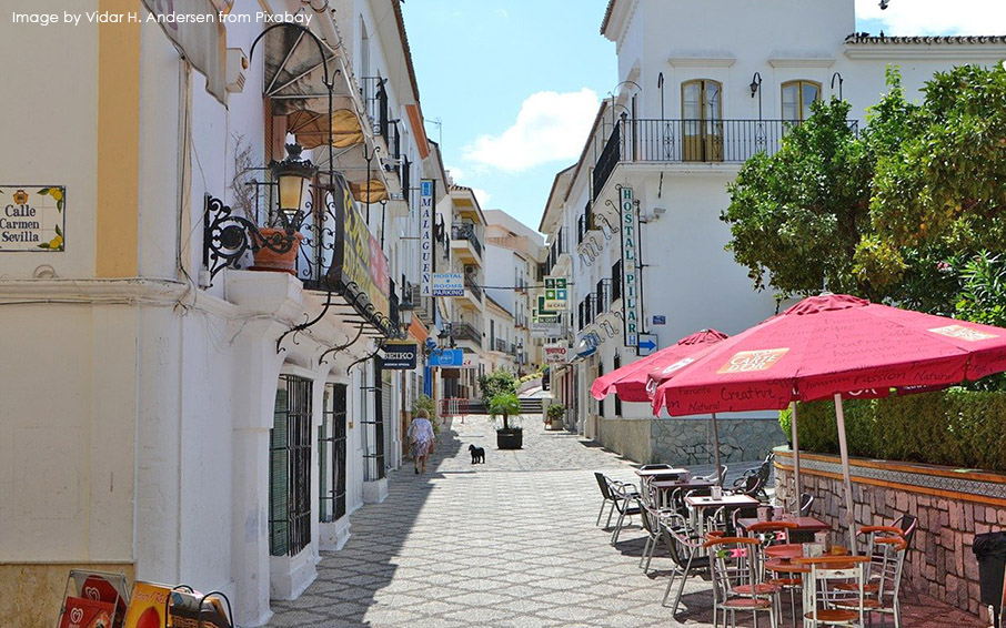 Typical street in Estepona town centre