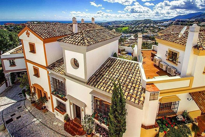 Townhouse currently for sale in La Heredia